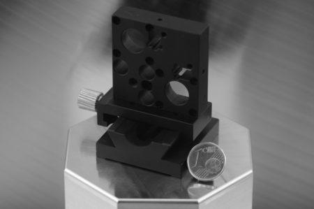 Optomech. Baugruppe mit Schiene und Reiter